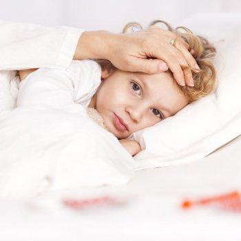 Cómo afecta la encefalitis a los niños
