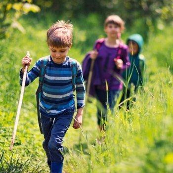 Cómo introducir a tu hijo al senderismo