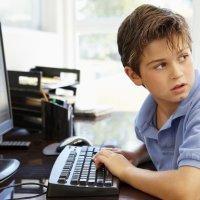 Los 5 riesgos de las redes sociales para tus hijos