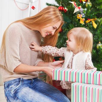 Cómo ayudar a tu hijo a hacer una lista de deseos para Navidad