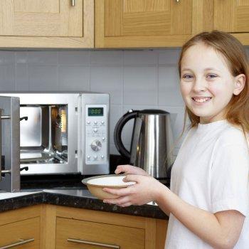 Calentar los alimentos en el microondas: ¿sí o no?