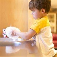 Diez pautas para enseñar a los niños a hacer las tareas de casa