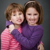 La competitividad entre niños mellizos o gemelos