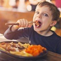 Alimentos beneficiosos y perjudiciales para niños TDAH