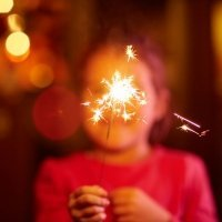 Peligros de los fuegos artificiales y la pirotecnia para los niños