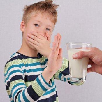 Diferencia entre intolerancia a la lactosa y alergia a la proteína de la leche de vaca