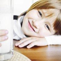 Qué leche deben tomar niños y adolescentes