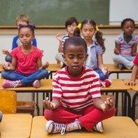 Meditación para niños y profesores en el aula
