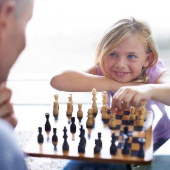¿Hay que dejar ganar a los niños en los juegos para evitar su frustración?