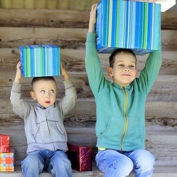 Cuando los hermanos menores imitan al mayor