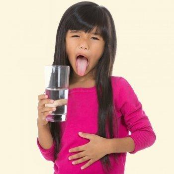Mi hijo no quiere beber agua, ¿cómo hidratarle?
