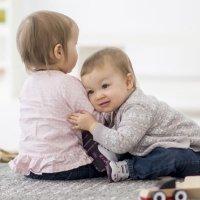 Cuando el bebé no se relaciona con otros en la Escuela Infantil