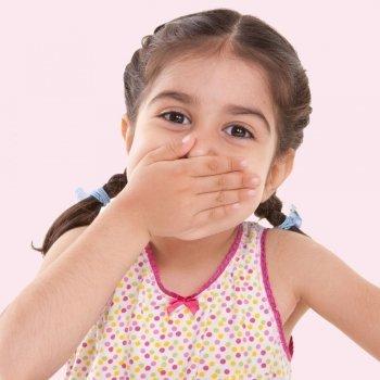 Niños que hablan de forma inconexa y cuesta entenderles