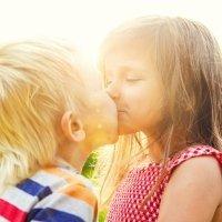 Cuándo y cómo poner límites a los juegos sexuales entre niños