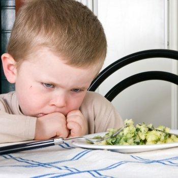 Los problemas de alimentación de los niños con autismo