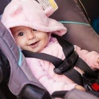 Sistemas de retención infantil en automóviles según peso y estatura del niño