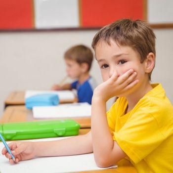 El efecto para el niño de ser el pequeño de la clase