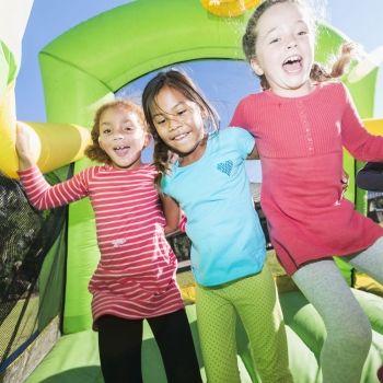 Los peligros de los castillos hinchables para los niños