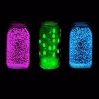 Frasco fluorescente que brilla en la oscuridad. Manualidades para niños
