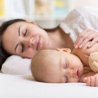 La solución para practicar colecho sin riesgos para el bebé