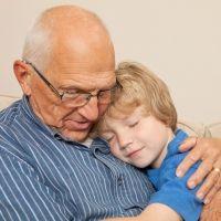 El complicado papel de los abuelos paternos con los nietos en un divorcio