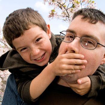 Niños que no dejan hablar a los demás