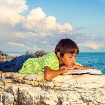 Cómo lograr que los niños lean en vacaciones