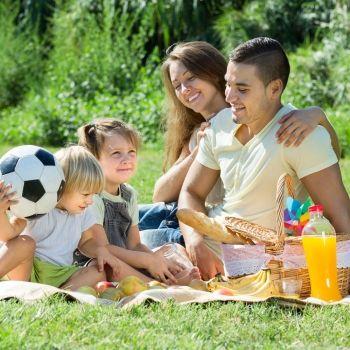 7 consejos para organizar un picnic sano y equilibrado en familia