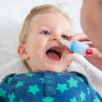 8 errores frecuentes al realizar un lavado nasal al niño