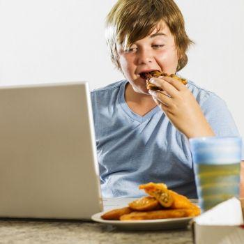 Cómo manejar el sobrepeso en la adolescencia