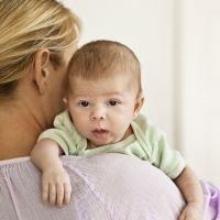 Qué hacer cuando mi bebé se atraganta al mamar