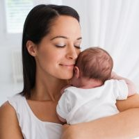 Rutina de belleza para madres primerizas