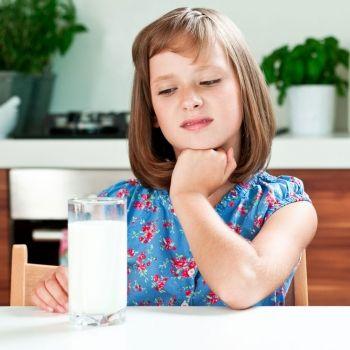 Qué puede desayunar un niño que no quiere tomar leche