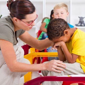 Qué debe hacer el profesor cuando el alumno llora en clase