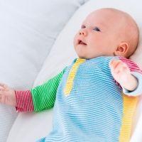 Reflejo de moro o sobresalto en el bebé recién nacido