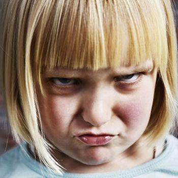 Cómo usar la psicología inversa con los niños