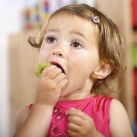 Dieta para aliviar el estreñimiento infantil