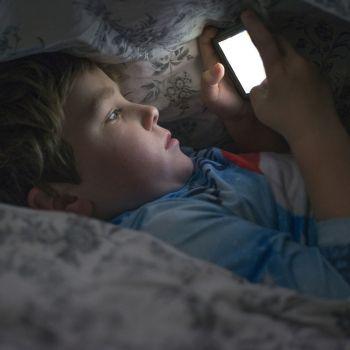 El uso del móvil puede provocar mal comportamiento