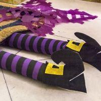 Piernas de bruja. Manualidad de Halloween para los niños