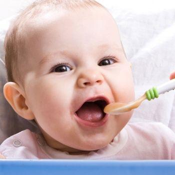 Alimentos para la cena del bebé que favorecen su descanso