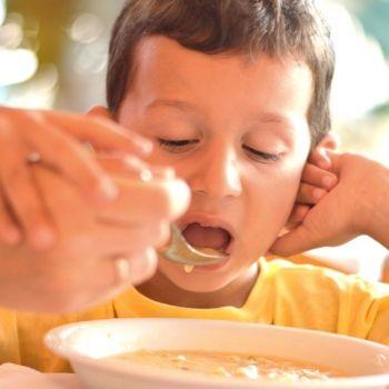 Razones por las que no hay que obligar a comer a los niños