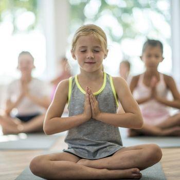 10  posturas de yoga para niños