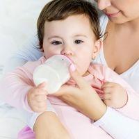 Leche de continuación y de crecimiento para el bebé: ¿son necesarias?