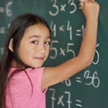 Cómo crear una tabla de Pitágoras para enseñar a multiplicar a los niños