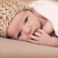 Por qué se pone gorro al recién nacido