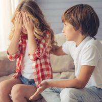 Enseñar a los niños a diferenciar las críticas constructivas de las destructivas