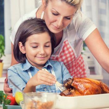 Cómo evitar intoxicaciones alimentarias en niños esta Navidad