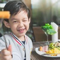 Qué debe contener una comida saludable en la infancia