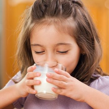 Por qué un niño no debe saltarse el desayuno nunca