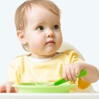 Riesgos de retrasar el momento en que el bebé comienza a masticar
